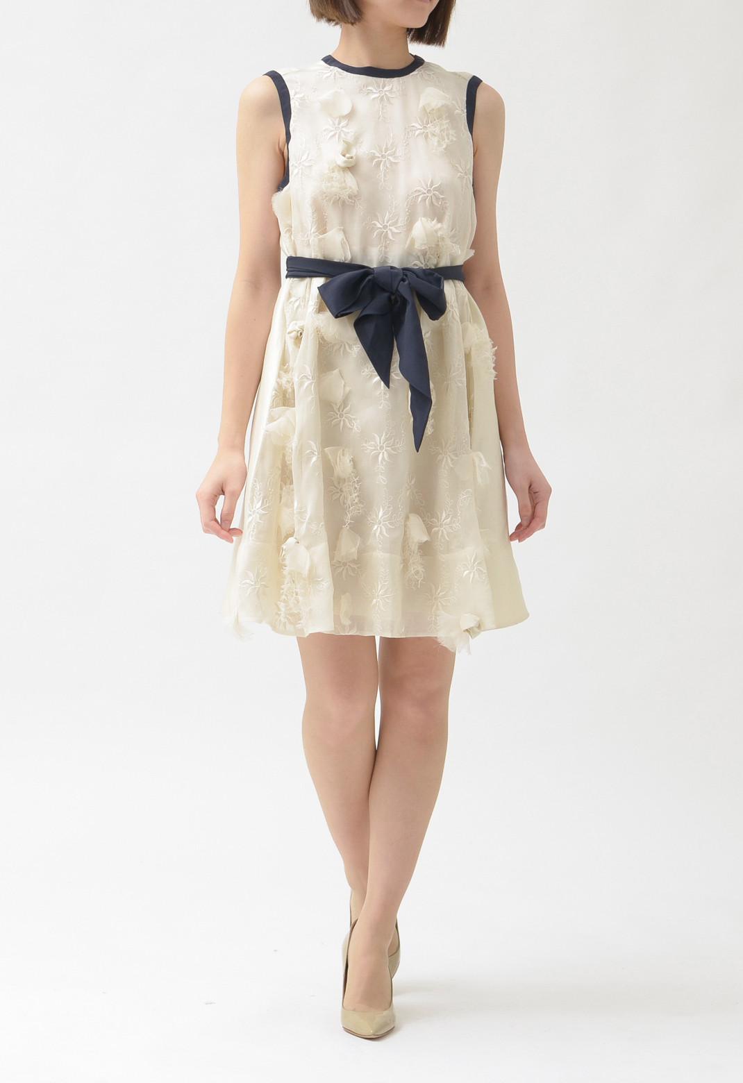 ジルスチュアート シルク混 フラワー刺繍 × モチーフ飾り Aライン ノースリーブドレス