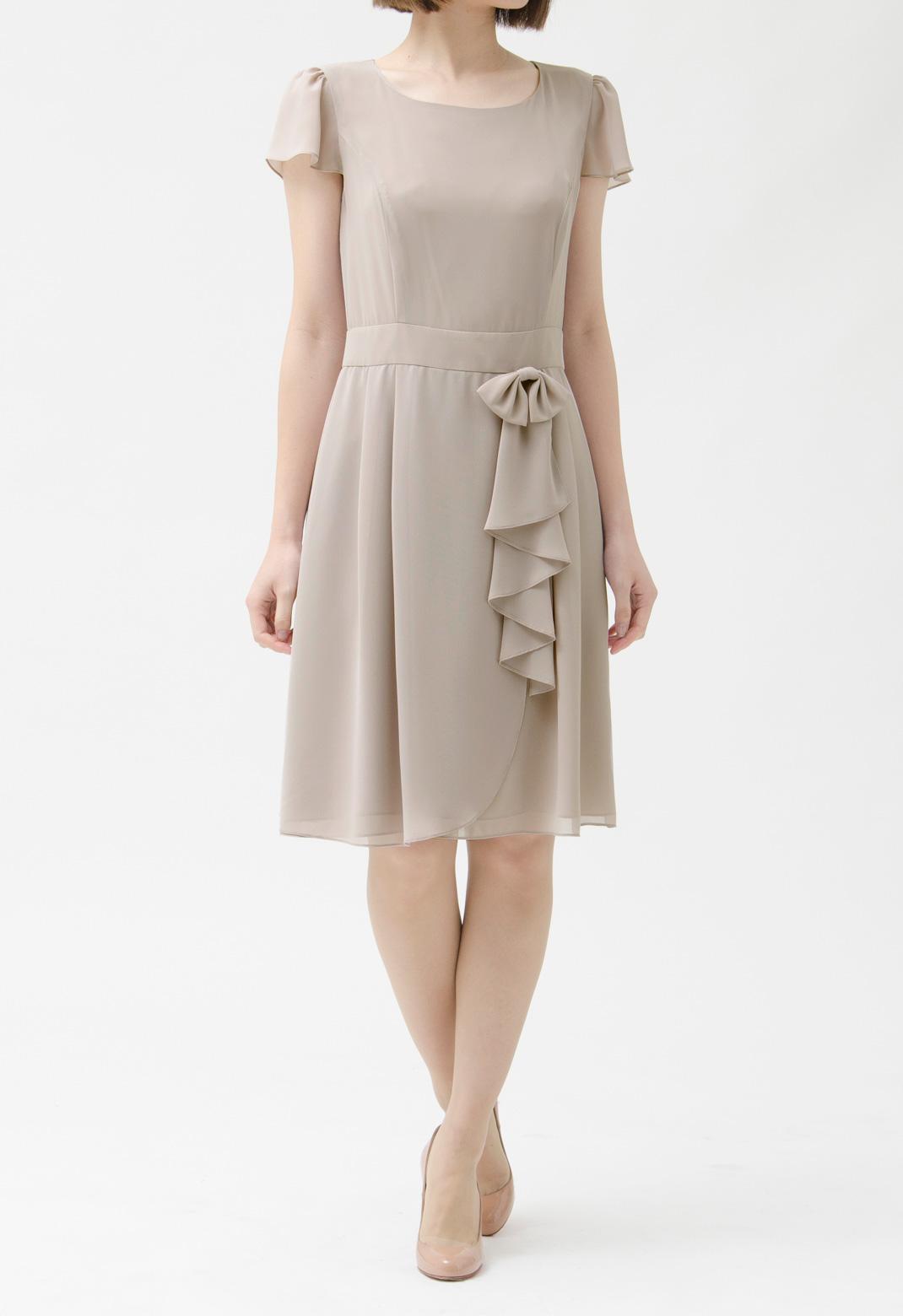 フロントリボンブローチ付 半袖 ドレス