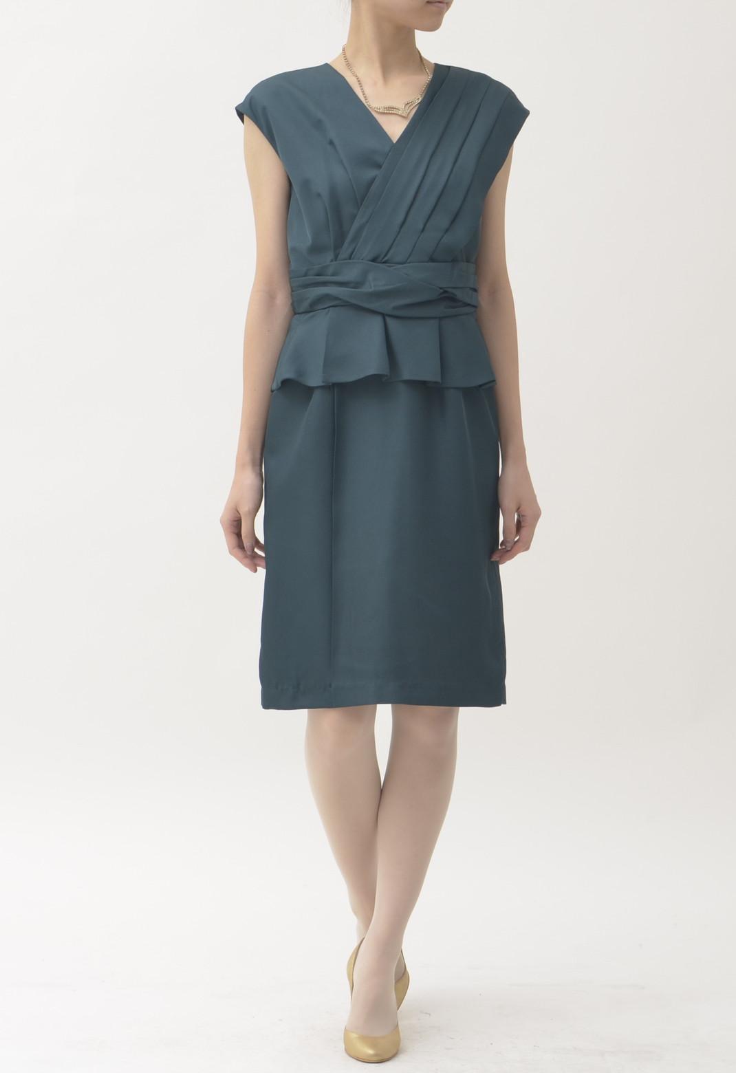 ウエストペプラム×タック ノースリーブ ドレス