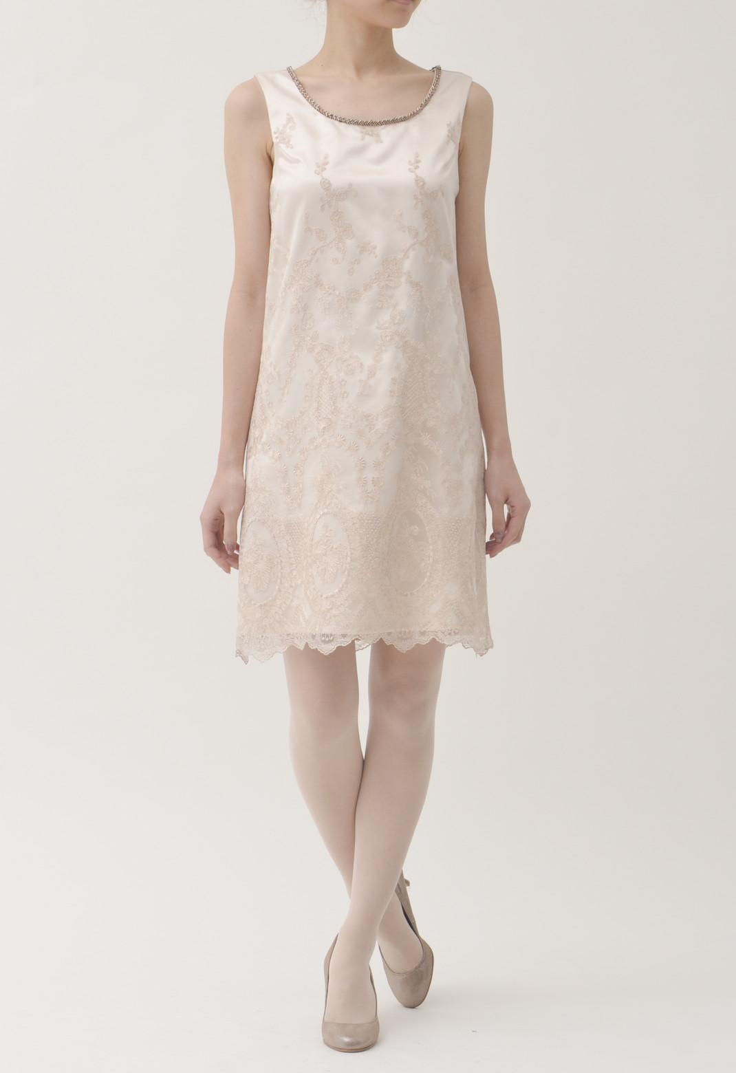 ネックビーズ飾り フラワー刺繍 ノースリーブドレス