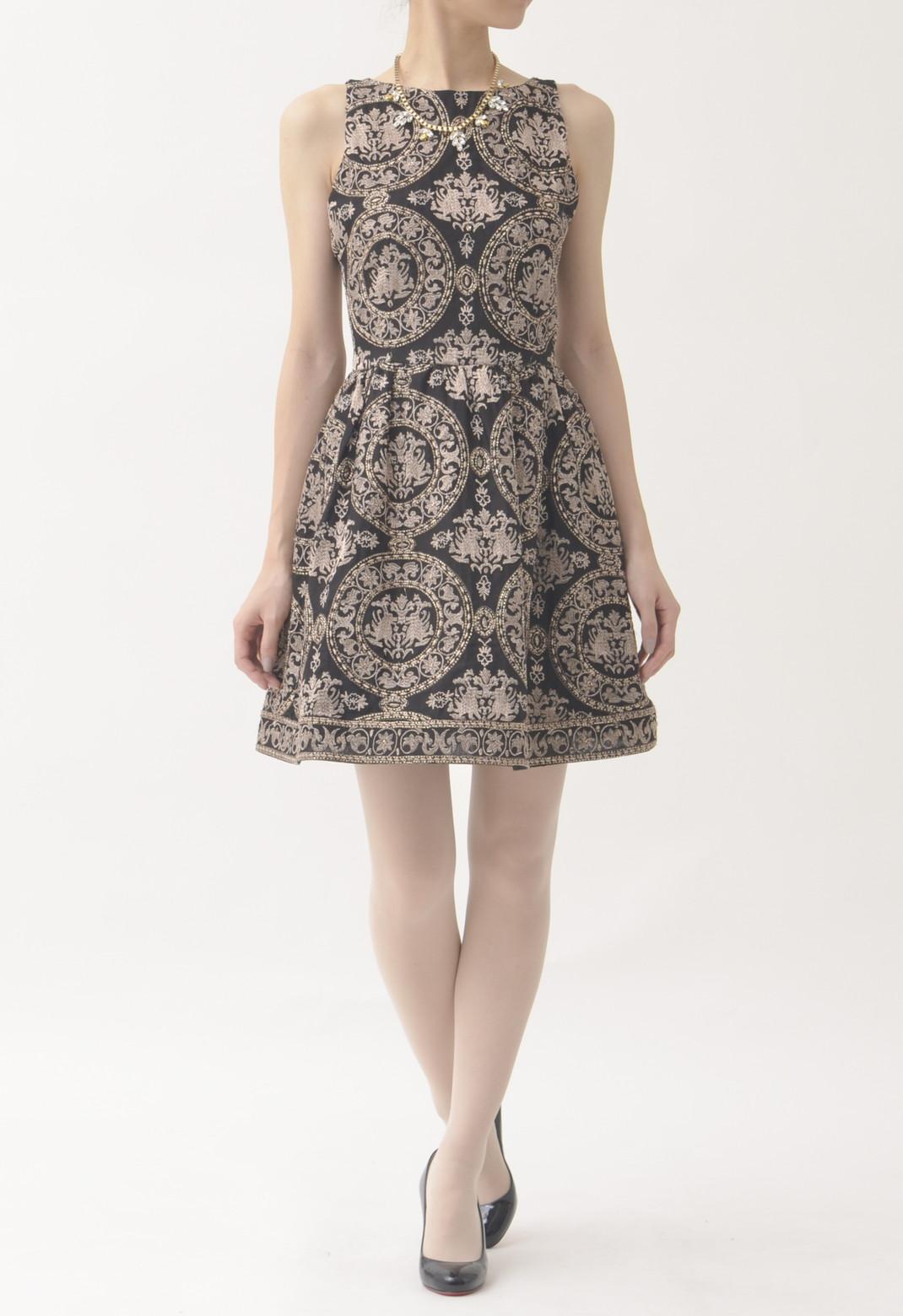 総刺繍×ビーズ飾り バック開き ノースリーブドレス