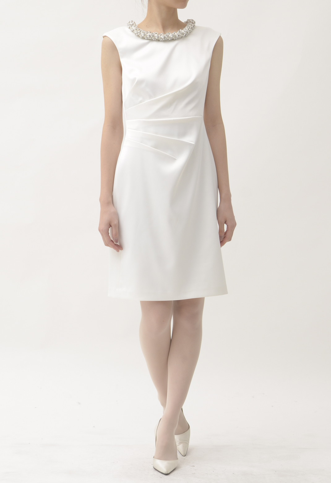 ネックビジュー飾り ノースリーブ ドレス