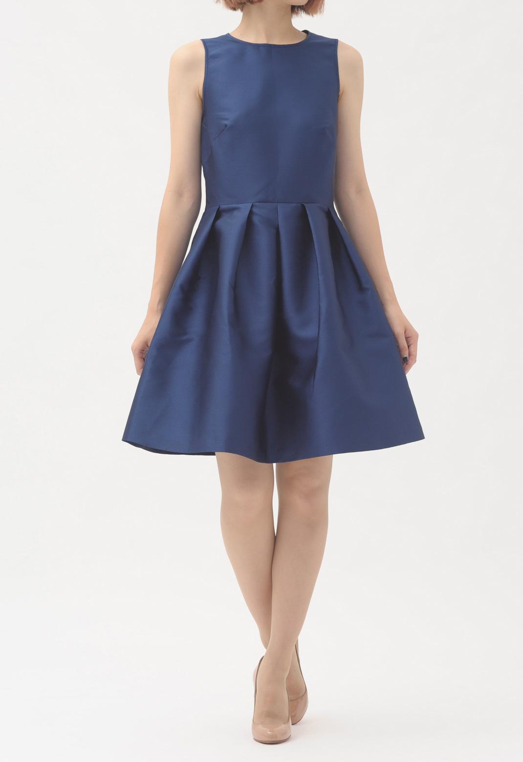 バックオープン ノースリーブ ドレス