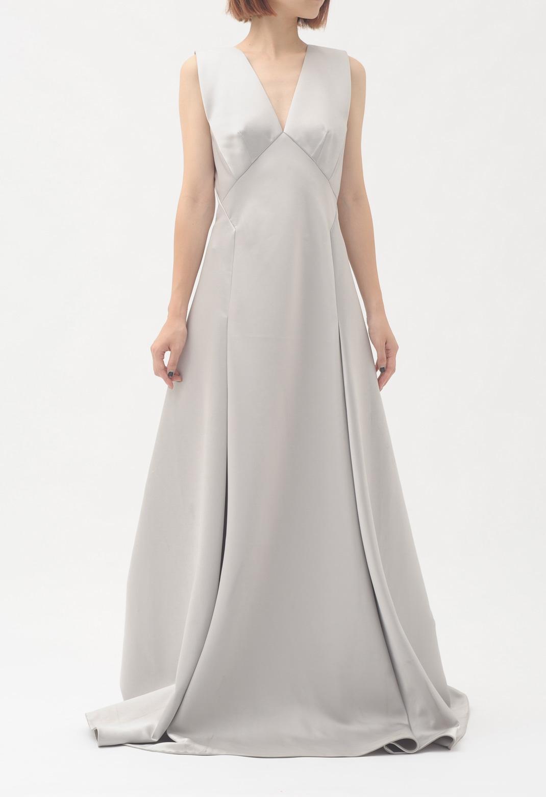 Vネックサテンノースリーブロングドレス