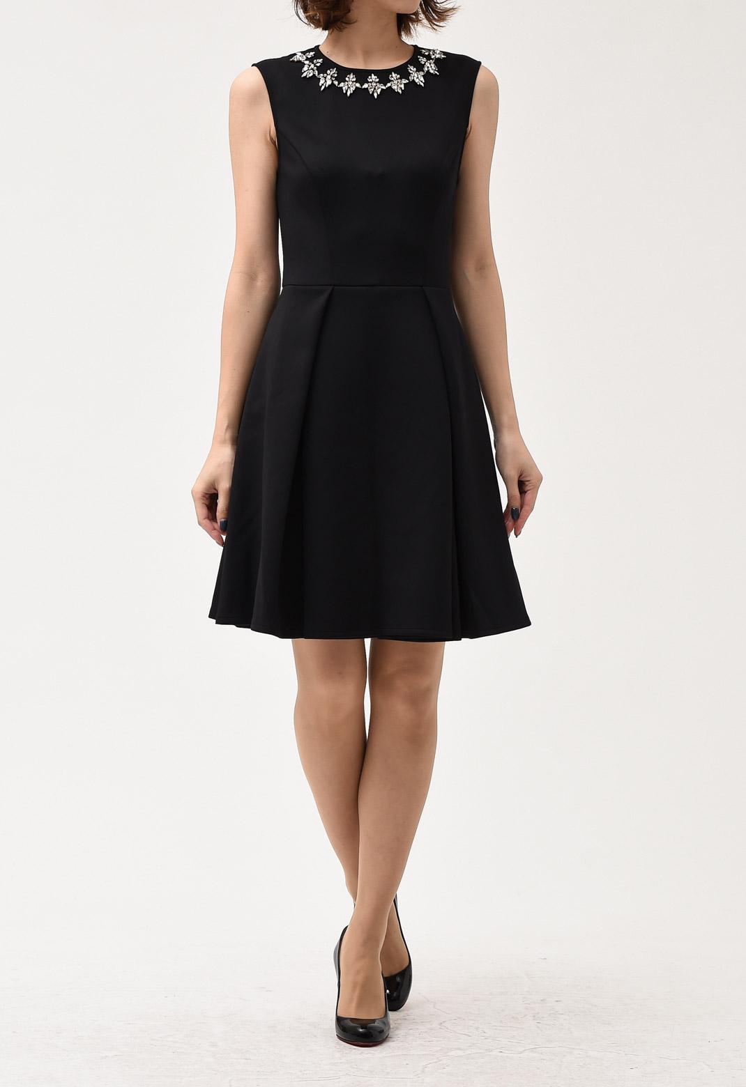 ビジュー飾り 半袖 ブラック ドレス