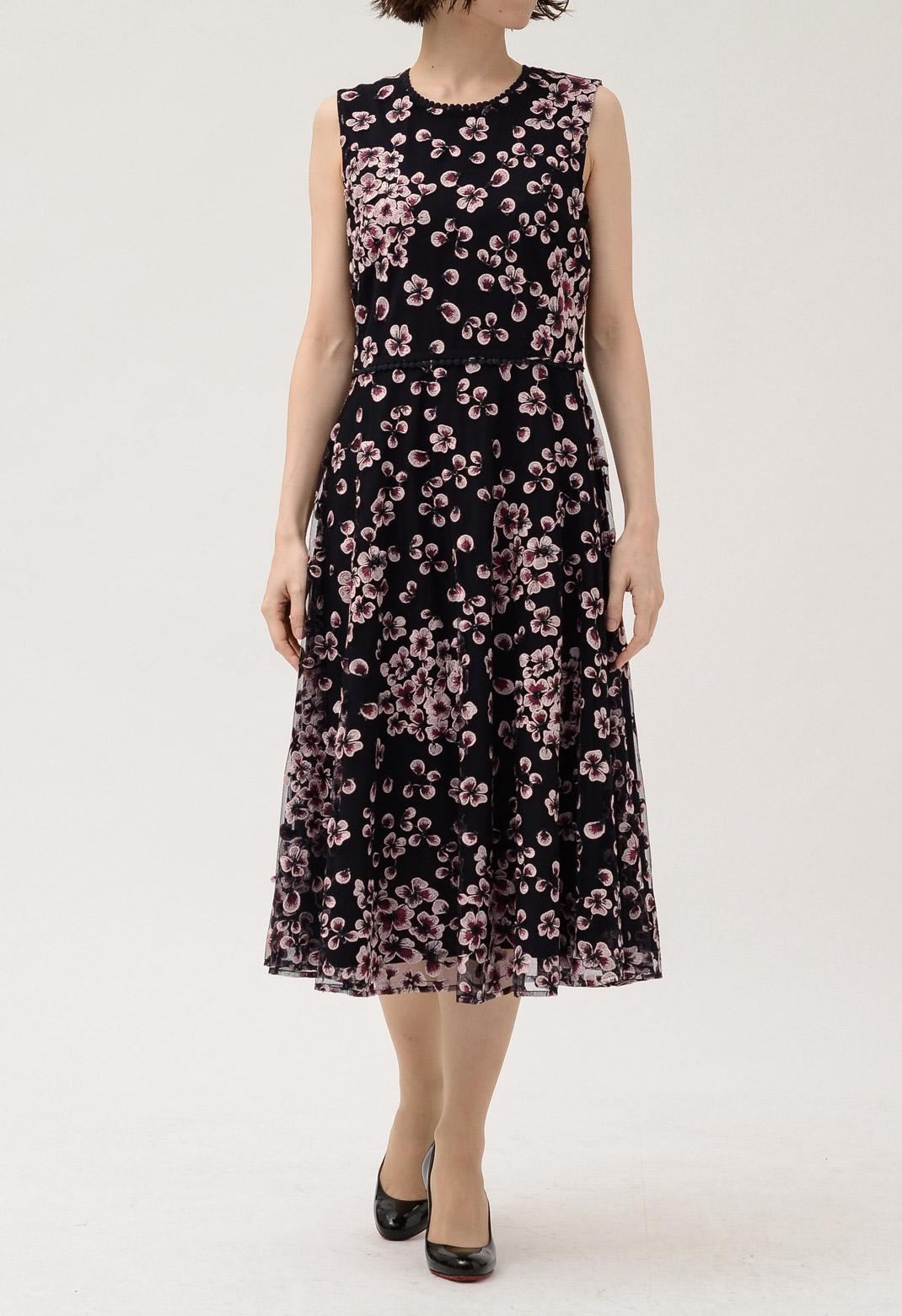 ピンクフラワー刺繍ノースリーブロングドレス