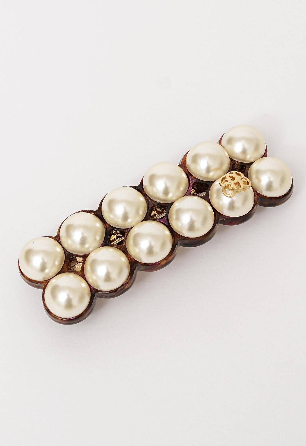 ロゴ入り パール バレッタ(chloe pearl barrette)